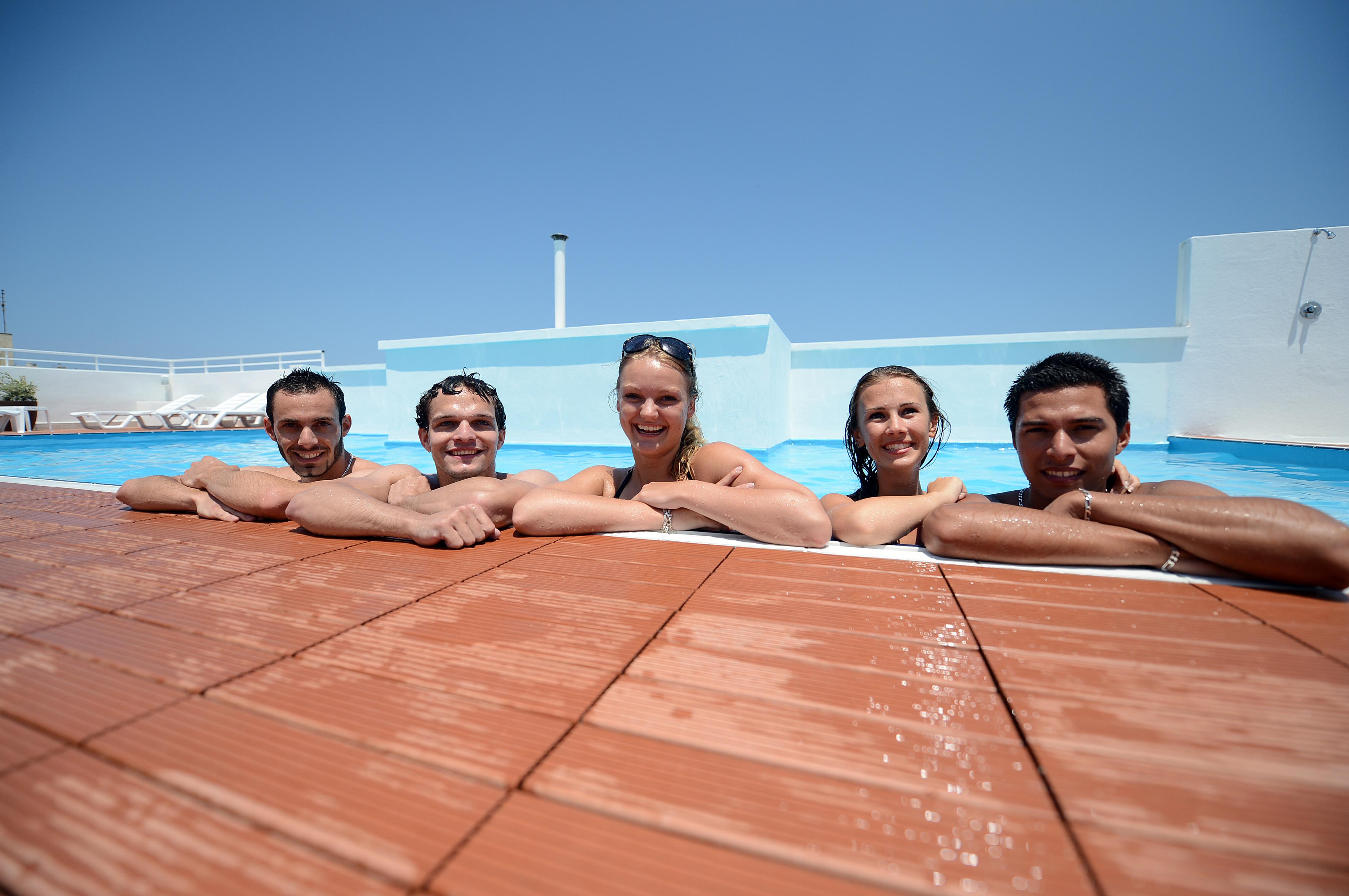 Мальта - Malta, резиденция (отель) Дейз Инн - Days Inn - бассейн на крыше